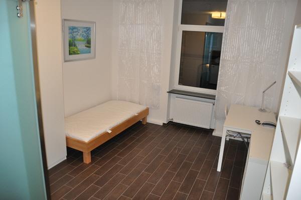 Das Appartement C12 - jetzt ähnlich saniert wie die Clemensstrasse 118, aber grössere Einheiten