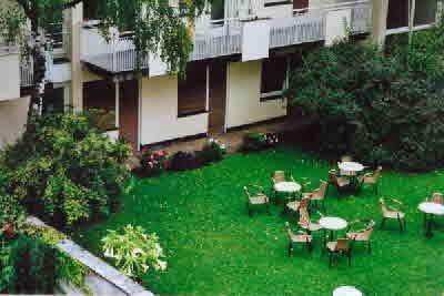 Studentenwohnheim Emanuelstr. 18, Garten